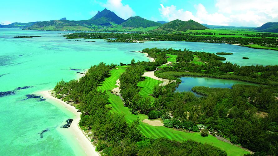 Hole 11 of the stunning Île aux Cerfs golf course