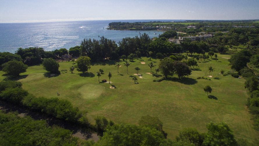 The Maritim Golf Course is a beautiful 9-hole course by the coast