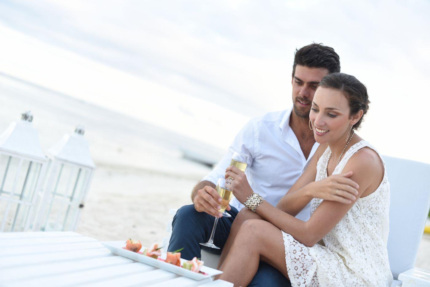 Adult Hotline Dating Room Service